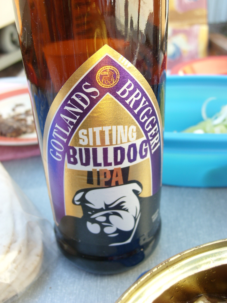 Visby -Bulldog - En flaska hade smugit sig in.